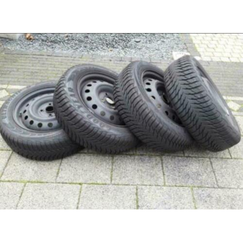 Set van 4 winterbanden incl velg Goodyear 185/ 65R15 84T